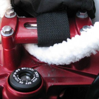 Flexistem Cleaning, How to Clean Small Parts of a Motor Bike, Motor Bike Cleaning Solutions, Pipe Cleaner Cleaning a Motor Bike