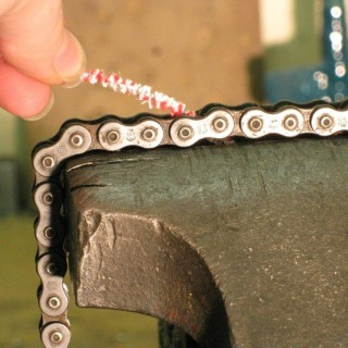 Chain Cleaning, Bike Maintenance, Using Pipe Cleaner to Clean a Chain