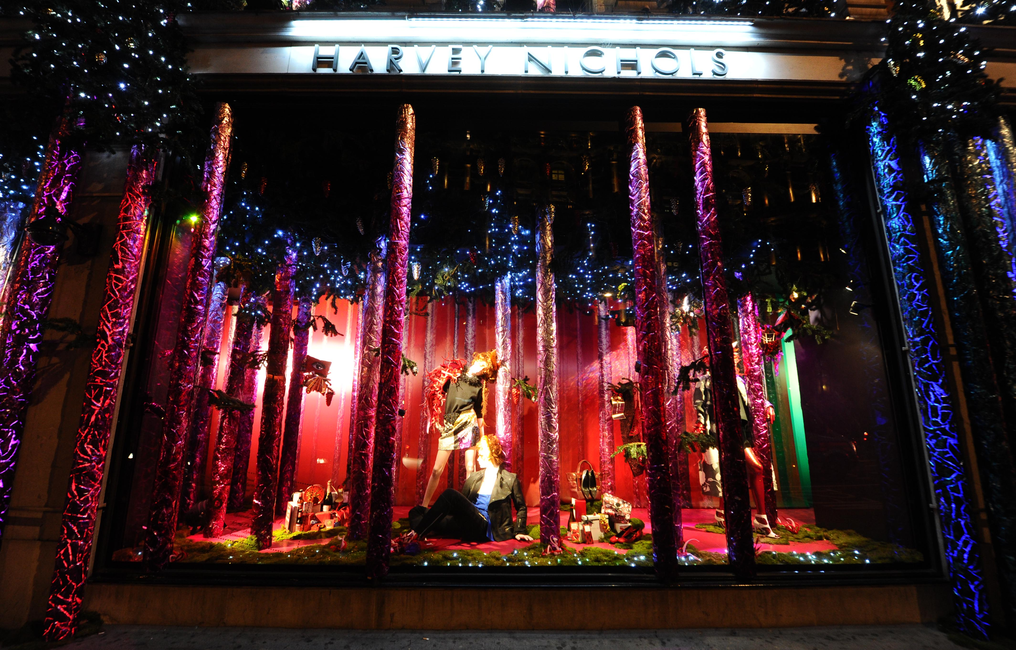 Harvey Nichols Chooses Flexistems From Hewitt Amp Booth For